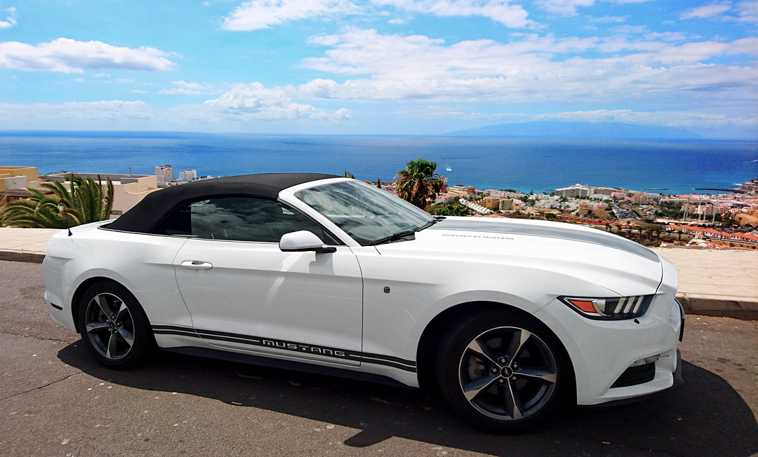 Ford Mustang White   AUTOMATIC. Class: Sports Car